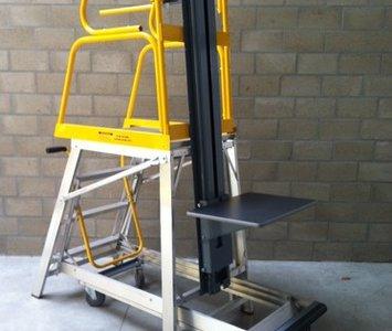 Platformtrap lift-truk