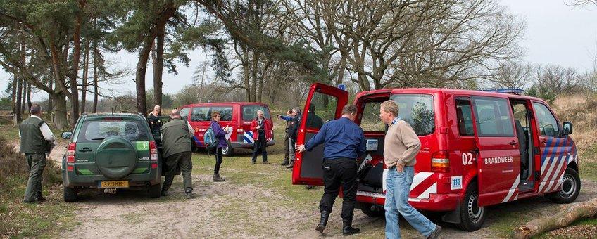 Brandweer en natuurbeheerders samen het veld in