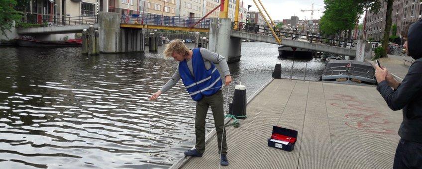 Waterkwaliteit metingen doen in Amsterdam