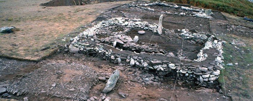 Restanten van een nederzetting uit de IJzertijd te Mez-Notariou op het eiland Ouessant, voor de westkust van Bretagne
