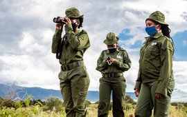 Rangers van Team Lioness op patrouille in Amboseli, Kenia