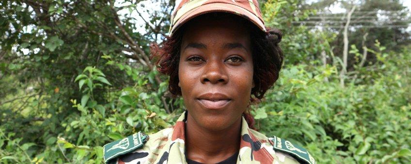 Eveles Magoli, ranger in het grensgebied van Malawi en Zambia