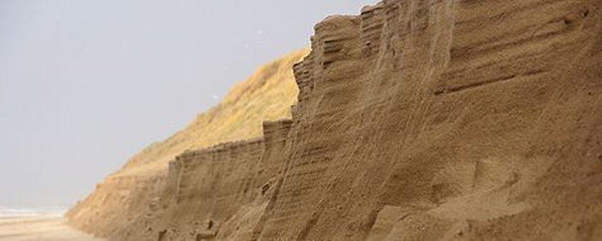 Voor eenmalig gebruik, Duinafslag bij strandpaal 8 op Texel