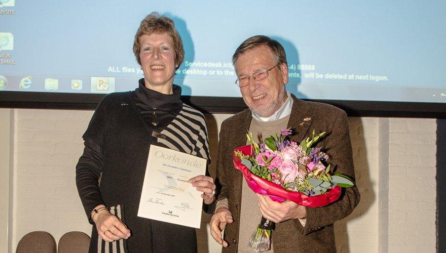 uitreiking Gouden lepelaar aan Gerard Boere door Fieke van der Leck