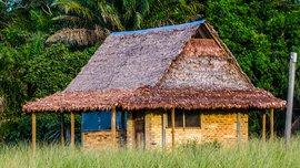 Barba Azul Nature Reserve cabin / Armonia